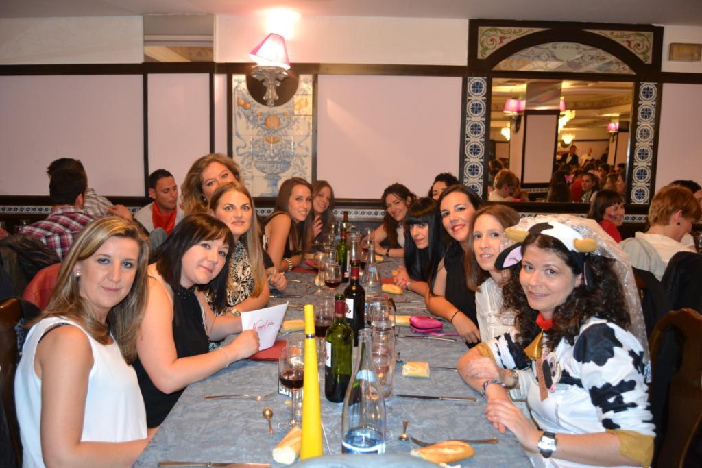 Cena y show para despedidas en Salamanca y Valladolid para solteras