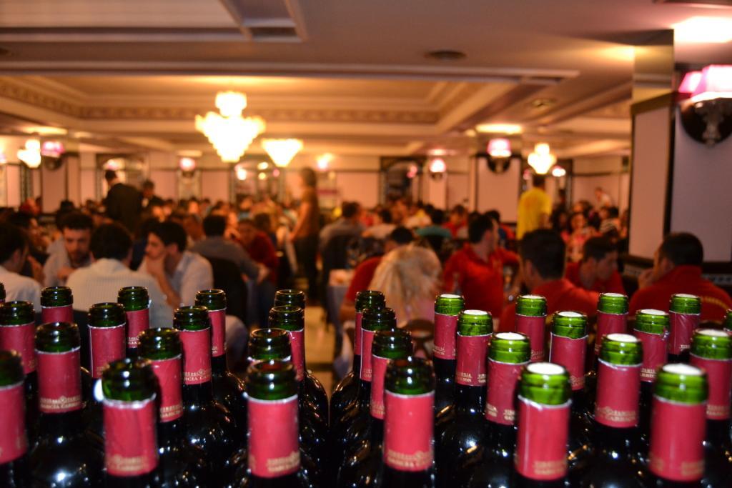 Cena y barra libre para despedidas de soltero en Salamanca y Valladolid