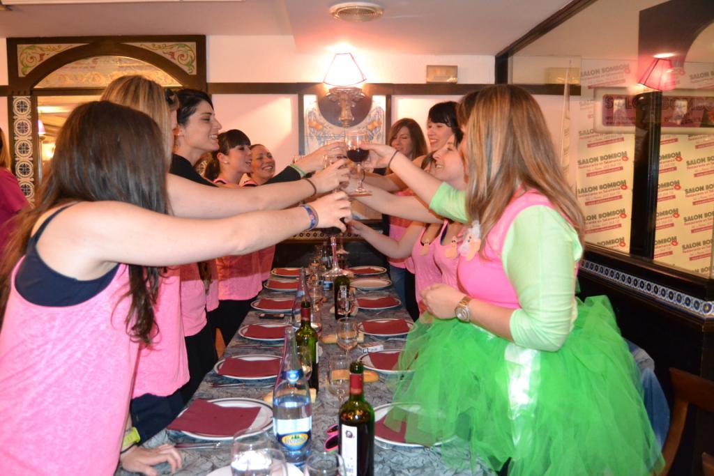 Cena y show despedidas en Salamanca y Valladolid